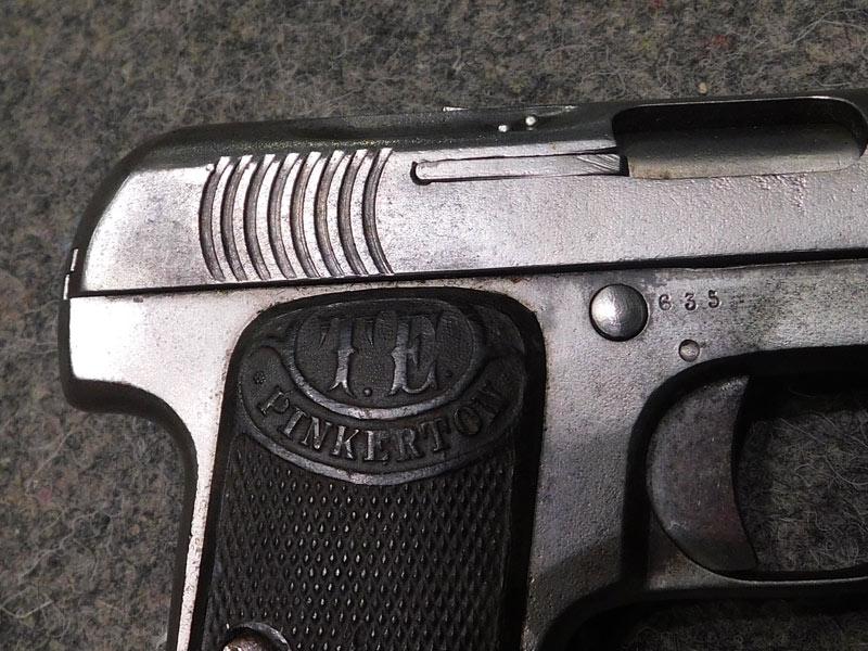 pistola Pinkerton calibro 7.65
