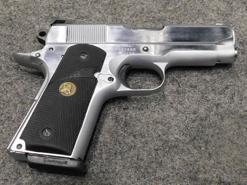 Pistola Colt Officer's calibro 45