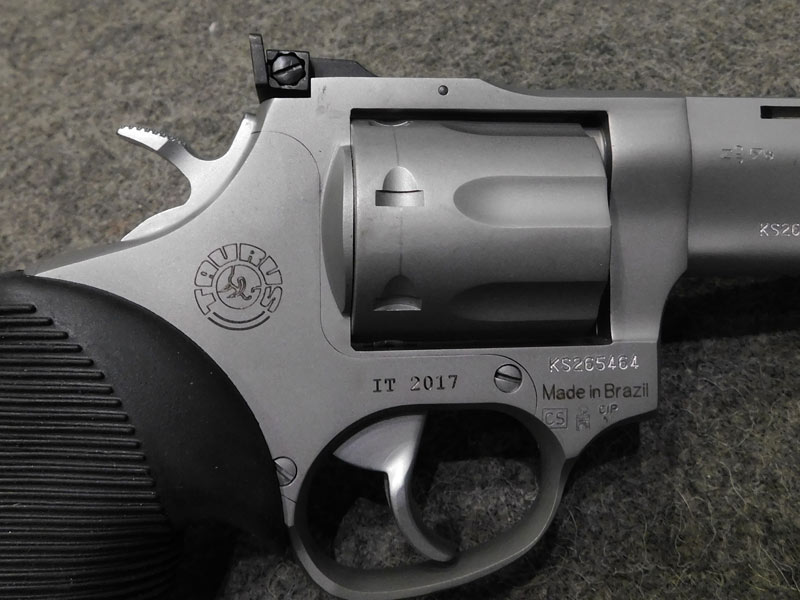 revolver Taurus Tracker 22