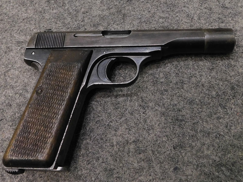 pistola F.N. 10/22 con waffenamt
