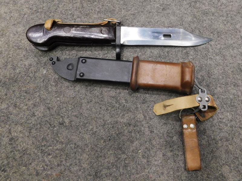baionetta rumena AKM 47